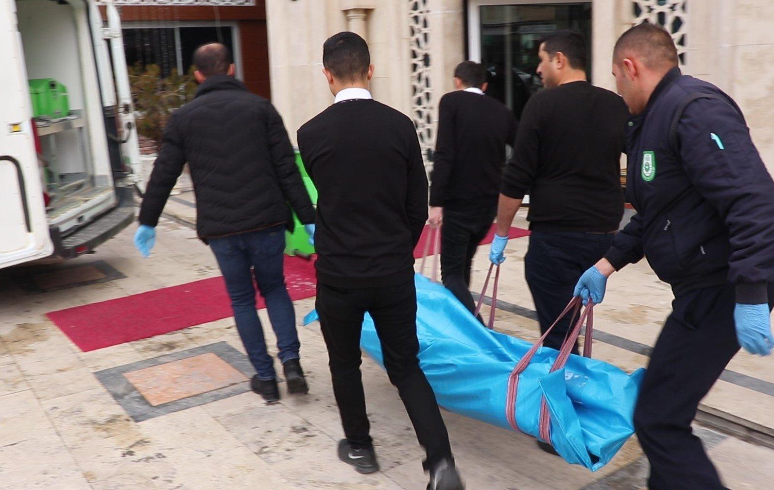 Karamandaki otelde ölü bulundu