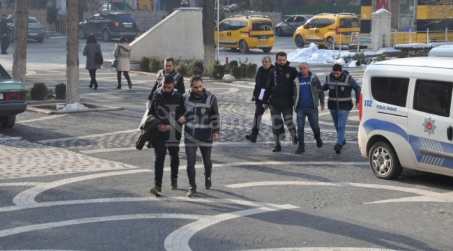 Akşehir'de polisten kaçan araçta 8 adet tabanca bulundu