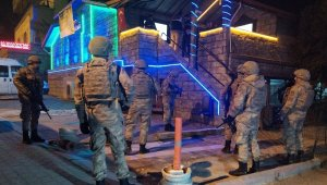Pamukkale'de 30 adrese fuhuş operasyonu 71 gözaltı