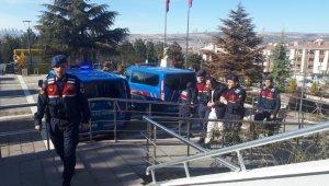 Jandarma define arayan 6 kişiyi yakaladı