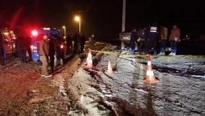 Sülümenli'de otomobil elektrik direğine çarptı 1 ölü