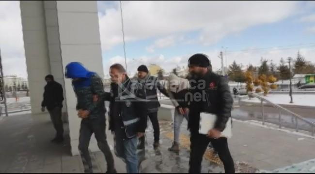 Karaman'da adliyeye çıkartılan 3 kişi tutuklandı