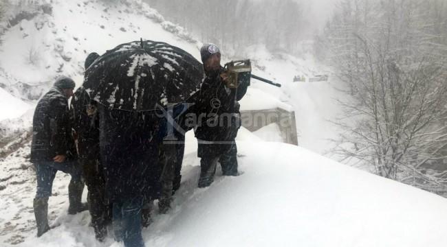 Kepçe operatörü 6 gündür 1 metre karda aranıyor