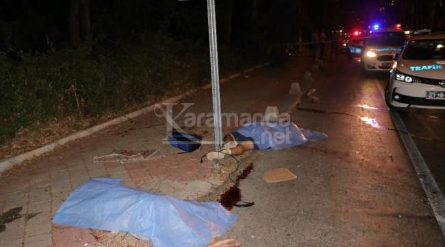Makas atarken ağaca çarpınca 2 kişi öldü