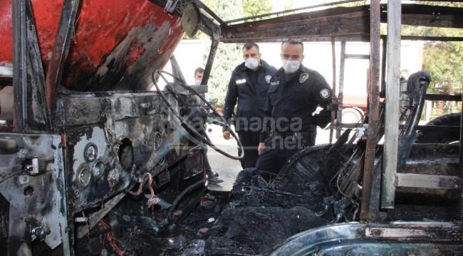 Karaman'da gündüz vakti araç kundaklandı