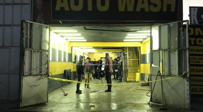 Oto yıkamacıda silahlı saldırı 1 ölü, 2 yaralı
