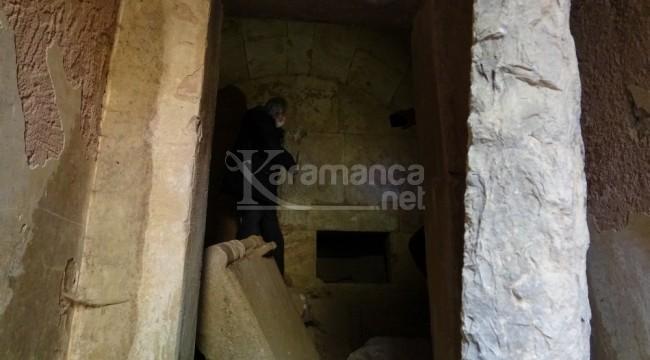 Tarla sahibinin attığı taş binlerce yıllık tarihi ortaya çıkardı