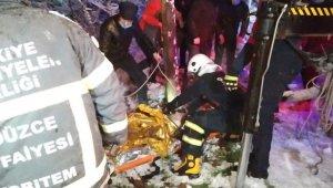 Yoldan çıkan kamyonet şarampole uçtu 6 yaralı