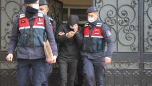 Aranan firari yakalanarak cezaevine konuldu