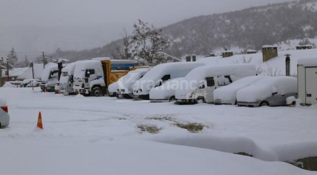 Hadim ve Taşkent'te kar kalınlığı yarım metreye yaklaştı