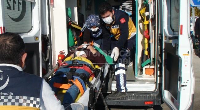 Karaman'da kamyonet ile çarpışan motosikletteki 2 kişi yaralandı