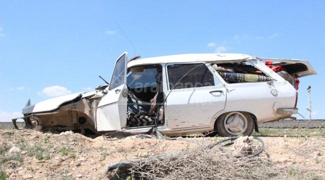 Karaman'da kaza yapan otomobilin tekeri koptu 2 yaralı