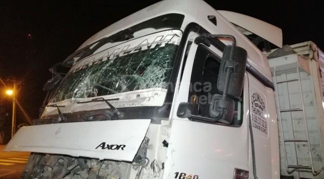 TIR'ların çarpıştığı kazada kaptan yaralı