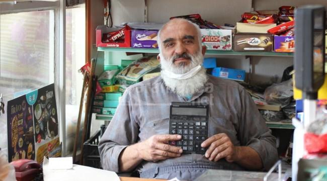 'Dakka Bakkal' hesap makinesi kullanmıyor