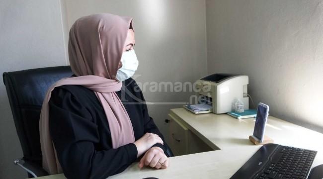 Bir tıbbı sekreter 2 bin kişiyi aşı olmaya ikna etti