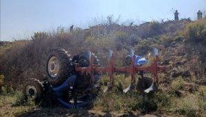 Devrilen traktörün altında kalan Kaya Dursun öldü