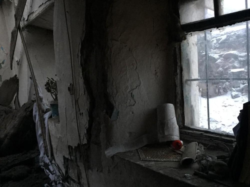 Evin damı çöktü, 3 çocuk yaralandı