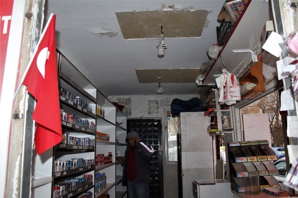 Akrobat hırsız, büfeyi tavandan girerek soydu