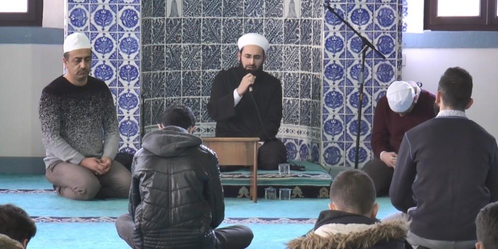Kütahya'da üniversite öğrencileri Sultan Abdülhamid Han için mevlit okuttu