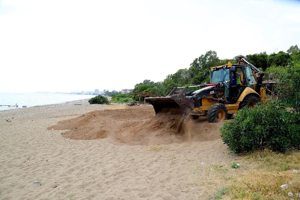 """Tarhan: """"100. Yıl Plajında doğa cinayeti işleniyor"""""""