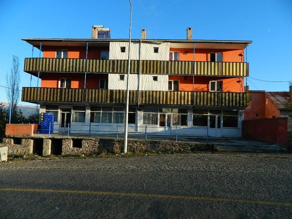 Posof'ta otel ve eğlence merkezlerine gece yarısı operasyonu