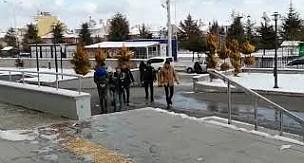 Karaman'da evleri aranan şahıslar adliyede